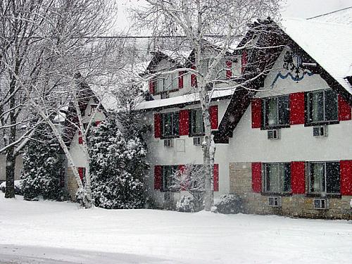 Alpine Valley Resort Hotel